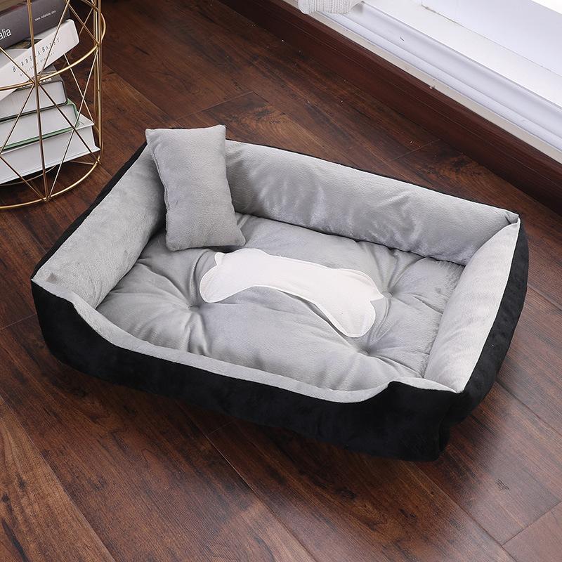 большая кровать с водонепроницаемым дышащим наполнителем