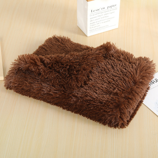 длинный коврик на плюше, мягкое собачье одеяло и двухслойный спальный чехол